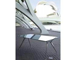 Arkitek met glazen blad